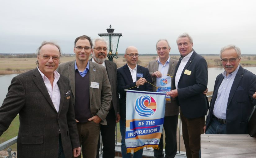 """Auf der Elbe zur Convention in Hamburg: """"Elbe-Charity-Boat-Tour"""" nimmt Fahrt auf"""