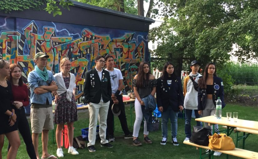Zwei Clubs feiern fünf Austauschschüler in Berlin
